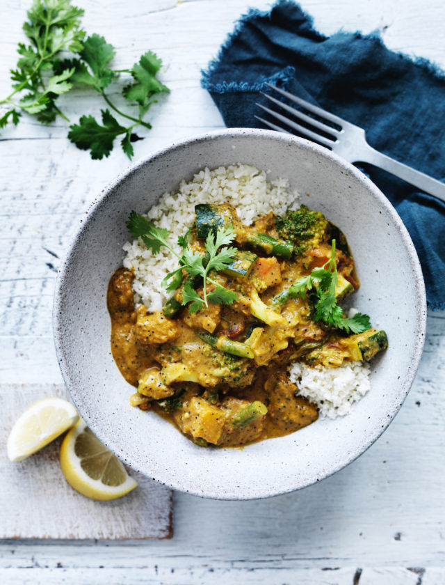 A delicious mix of vegetables cooked in a mild curry sauce with coconut cream, coriander & poppy seeds. Served with cauliflower rice.      1068